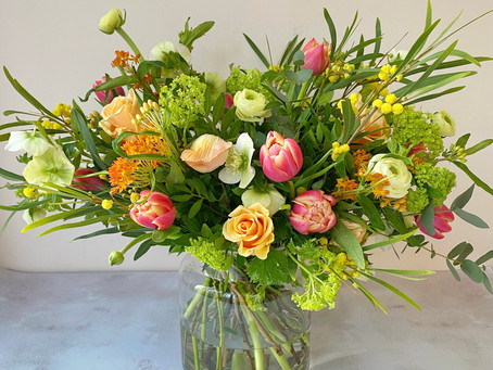 Send Mother's Day Flowers in Bristol