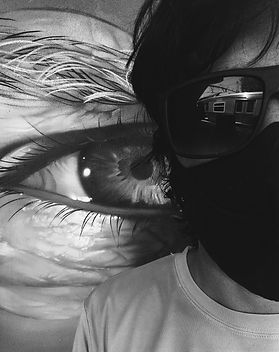"""Roteirista, diretor e fotógrafo, formado em Artes Visuais pela UFRGS e Direção Cinematográfica na Academia Internacional de Cinema. Desde 2009 reside em São Paulo onde desenvolve atividades no campo do cinema, teatro e fotografia. É co-criador e roteirsta na série de audiodrama Fome Fala desenvolvida pelo coletivo Rango de Classe. Foi roteirista diretor e fotografo nos filmes  """"O Olho do Peixe"""" - 2014 (vencedor de melhor filme no Filmworks Film Festival) """"ARMAT JAKAWINAKA - VIDAS AUSENTES"""" 2015 (Melhor Filme no Festival Visões Periféricas 2015 e Melhor Filme, Direção e Roteiro no 6º Filmworks Film Festival, Selecionado para mostra Foco da 18° Mostra de Cinema de Tiradentes) , TEMPOS DE CÃO - 2017 (Melhor filme 8°FWFF selecionado para a 20° edição da Mostra de Cinema de Tiradentes).   Atualmente é artista integrante dos coletivos Rango de Classe, TV Indigena TV Tamuya e ZICCA Zona Integrada de Cinema e Autonomia Audiovisual, coletivos da zona sul de São Paulo que visam desenvolver projetos ligados autonomia e ao ensino apoiando e fortalecendo os movimentos ativistas periféricos."""