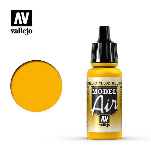 Vallejo Model Air - Medium Yellow 71.002