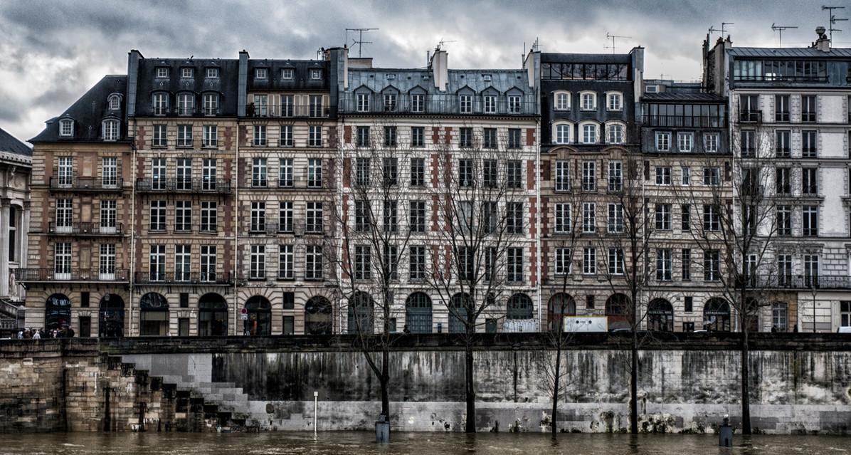 Sienne in flood Paris