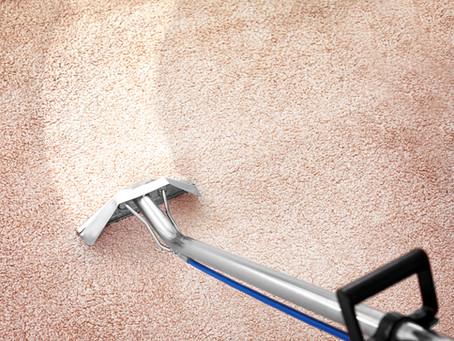 Zelf tapijt reinigen of dit laten doen.