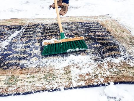 Vloerkleden reinigen met sneeuw