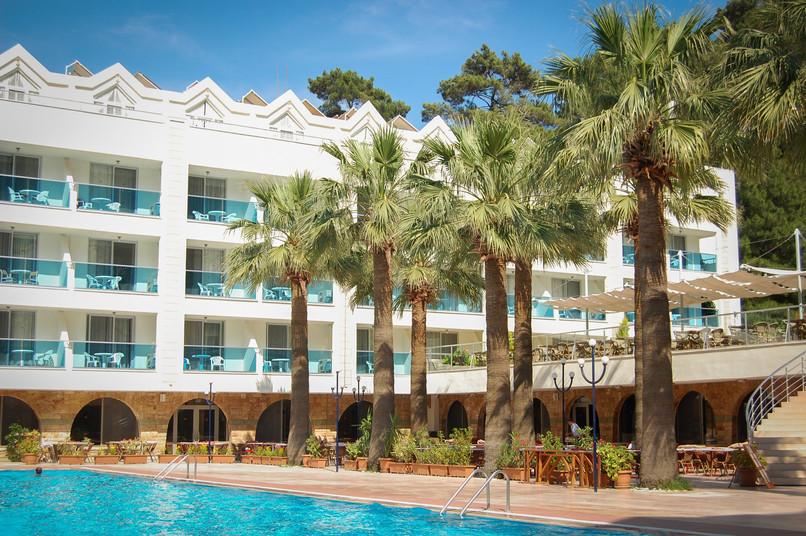 holiday-holidays-hotel-leisure-261395.jp