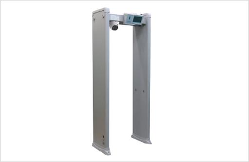 Portique de sécurité (température, port du masque, objets métalliques)