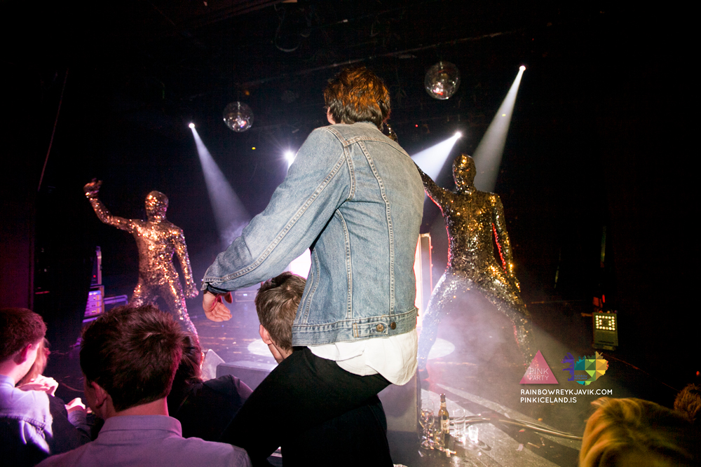 pink_masquerade_party_gay_club_night_reykjavik_iceland_pall_oscar_pink_iceland10