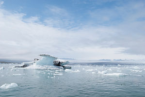 jokulsaarlon_glacier_lagoon_pink_iceland
