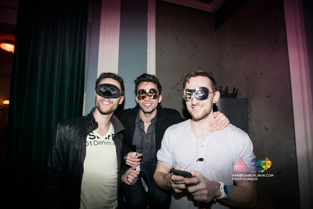 pink_masquerade_party_gay_club_night_reykjavik_iceland_pall_oscar_pink_iceland19