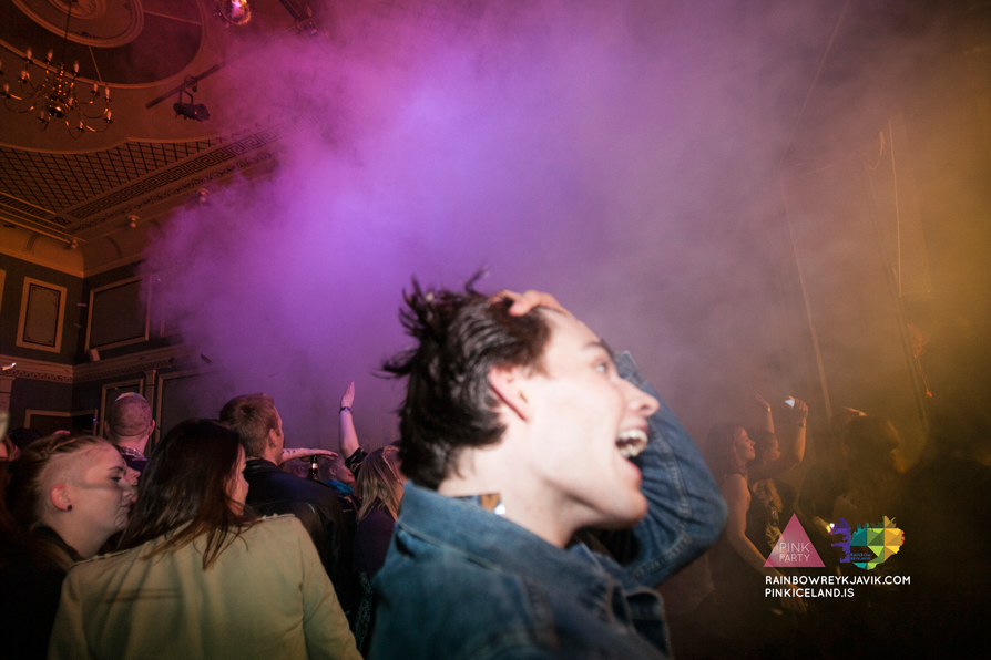pink_masquerade_party_gay_club_night_reykjavik_iceland_pall_oscar_pink_iceland97