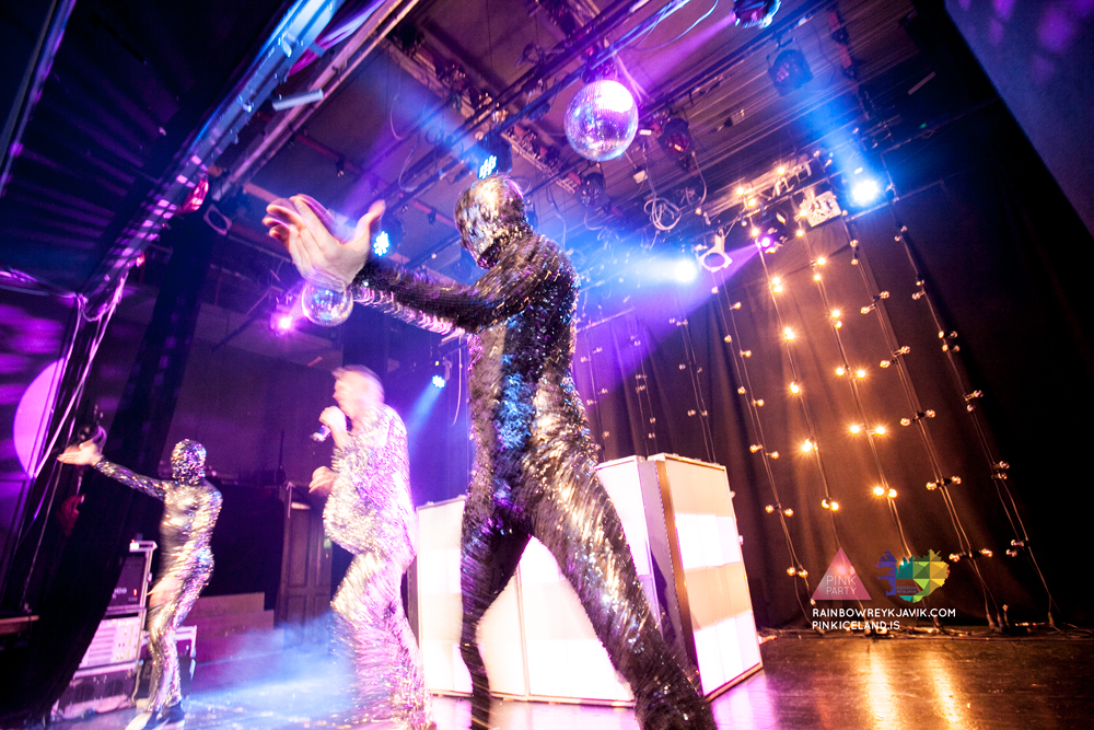pink_masquerade_party_gay_club_night_reykjavik_iceland_pall_oscar_pink_iceland64