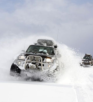 super_jeep_tour_landmannalaugar_luxury_t