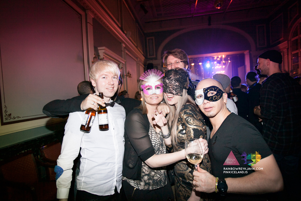 pink_masquerade_party_gay_club_night_reykjavik_iceland_pall_oscar_pink_iceland48