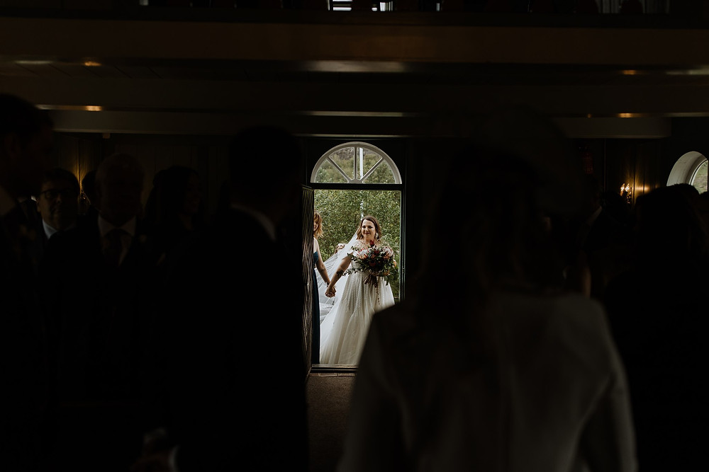 Bride arrives in Thingvellir church