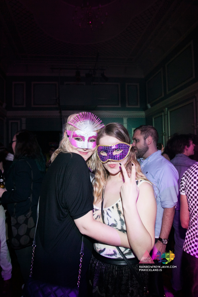 pink_masquerade_party_gay_club_night_reykjavik_iceland_pall_oscar_pink_iceland50