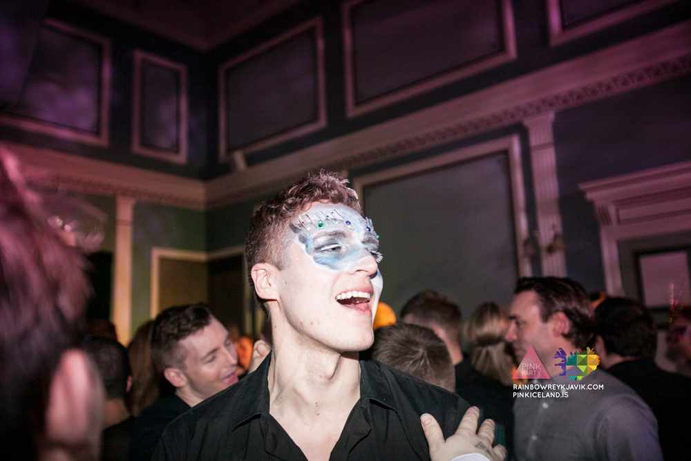 pink_masquerade_party_gay_club_night_reykjavik_iceland_pall_oscar_pink_iceland42