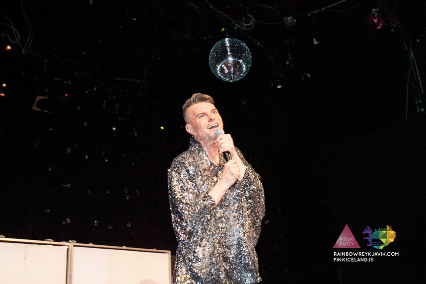 pink_masquerade_party_gay_club_night_reykjavik_iceland_pall_oscar_pink_iceland60