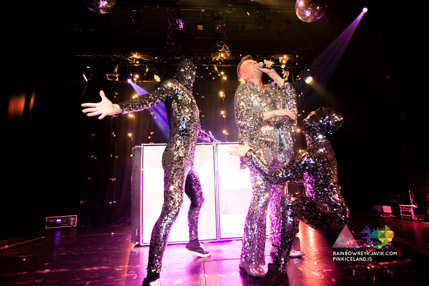 pink_masquerade_party_gay_club_night_reykjavik_iceland_pall_oscar_pink_iceland11