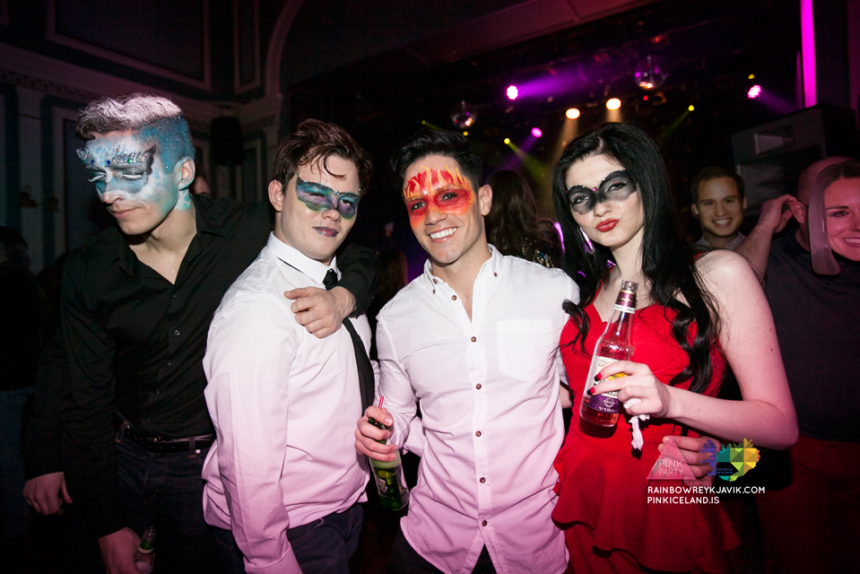 pink_masquerade_party_gay_club_night_reykjavik_iceland_pall_oscar_pink_iceland33