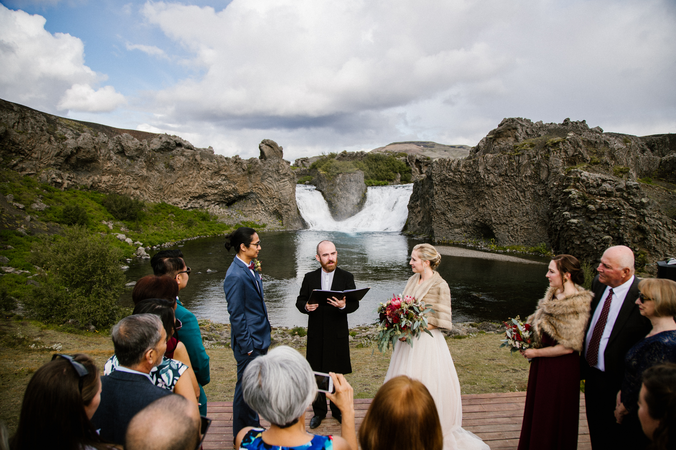 Adventure-wedding-in-iceland-pink-icelan