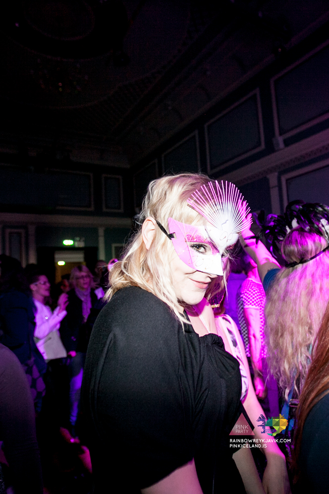 pink_masquerade_party_gay_club_night_reykjavik_iceland_pall_oscar_pink_iceland67