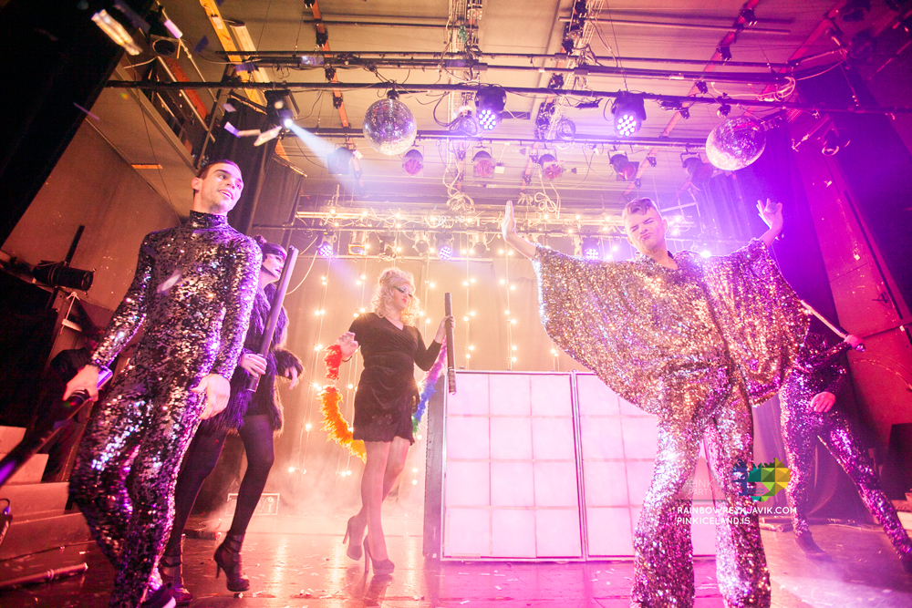 pink_masquerade_party_gay_club_night_reykjavik_iceland_pall_oscar_pink_iceland12