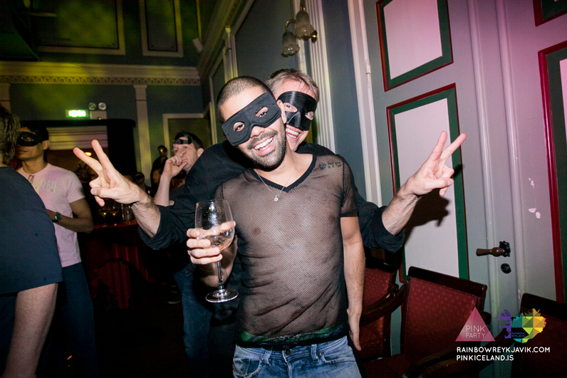 pink_masquerade_party_gay_club_night_reykjavik_iceland_pall_oscar_pink_iceland30