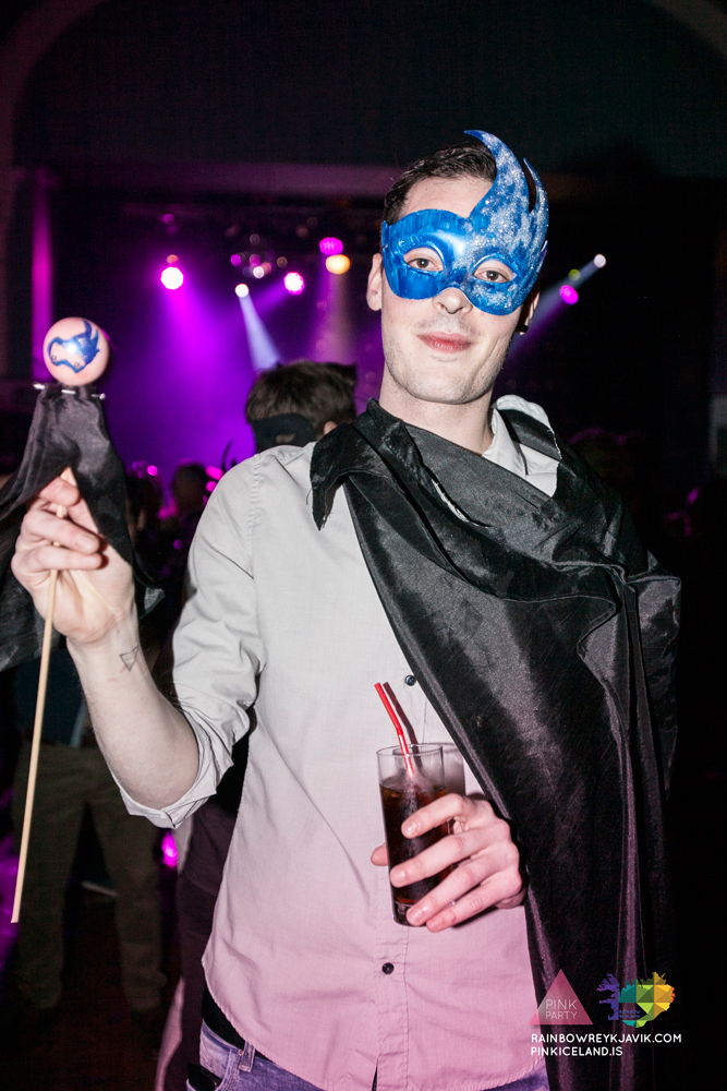 pink_masquerade_party_gay_club_night_reykjavik_iceland_pall_oscar_pink_iceland47