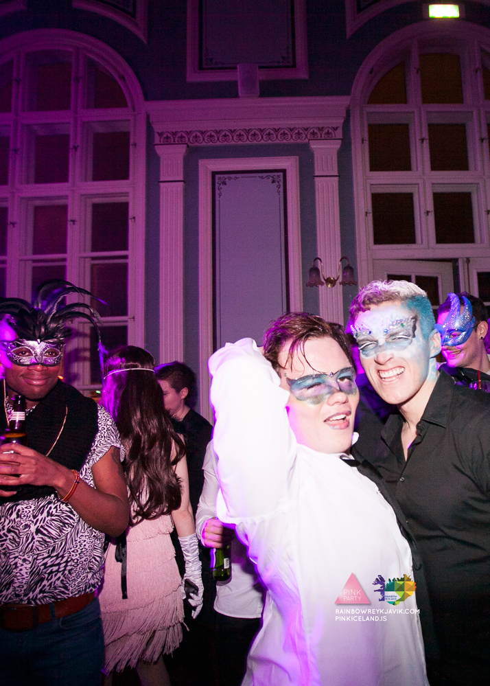 pink_masquerade_party_gay_club_night_reykjavik_iceland_pall_oscar_pink_iceland66