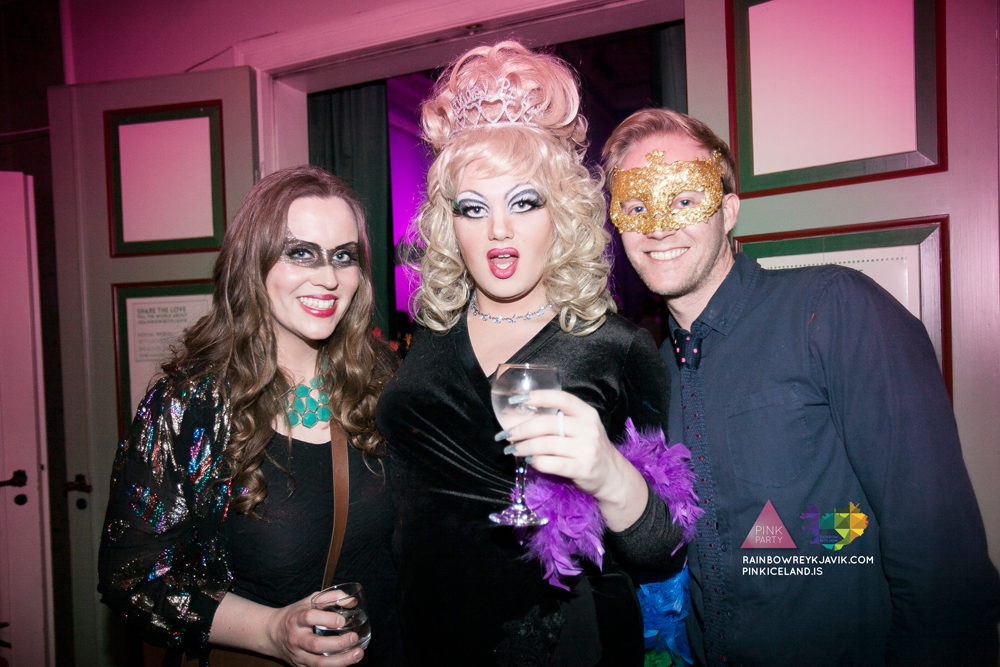 pink_masquerade_party_gay_club_night_reykjavik_iceland_pall_oscar_pink_iceland37