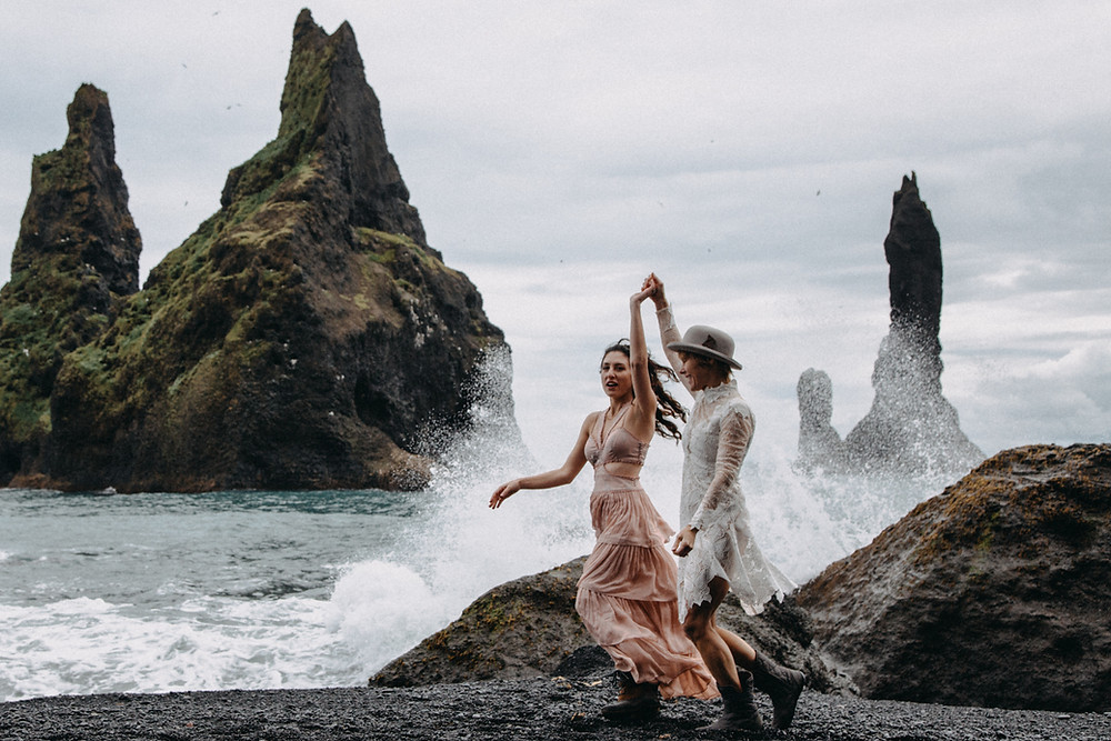 Wedding photo in Reynisfjara Black beach by Kristin Maria