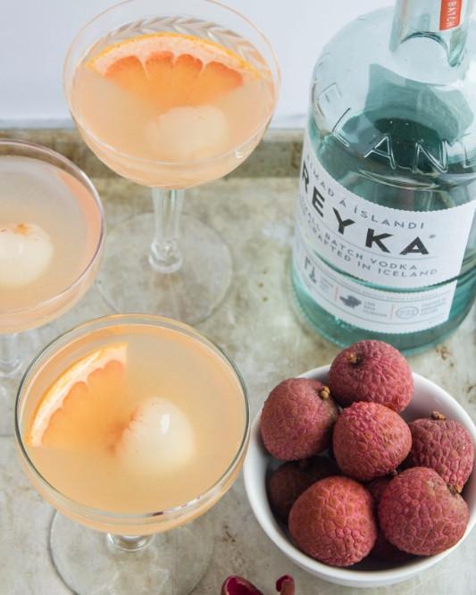 Lychee-Grapfruit-Martinis6-682x1024_edited.jpg