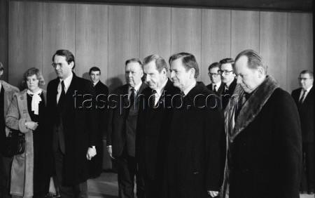 Den svenska delegationens på besök i Moskva i samband med begravningen av Jurij Andropov. 14.2.1984