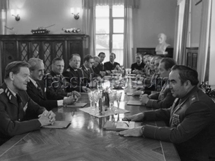 Sveriges överbefälhavare Stig Synnergren på besök i Sovjetunionen den 11 juli 1975