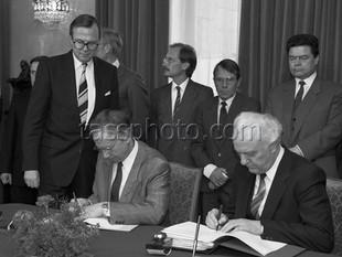 Sveriges utrikesminister Sten Andersson på besök i Sovjetunionen den 18 april 1988