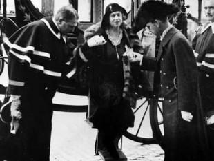 Alexandra Kollontai utnämndes till Sovjetunionens Charge d'Affaires i Sverige år 1930.