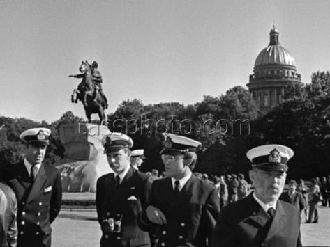Svenska sjömän på besök i Leningrad den 7 september 1979