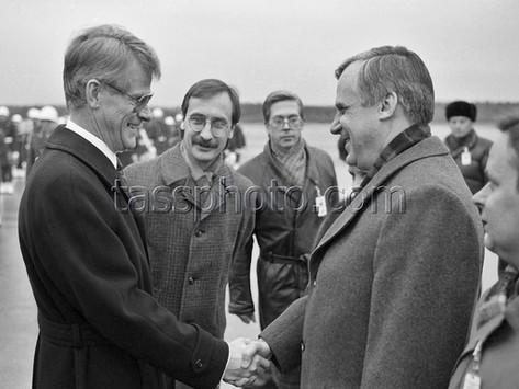 Ministerrådsordföranden i Sovjetunionen Nikolaj Ryzjkov på besök i Sverige 11-13 januari 1988
