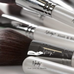 Makeup Brush Bacteria: How To Prevent Bacteria Growth