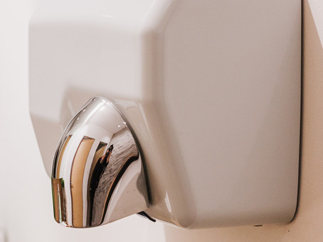 Paper Towels Or Hand Dryers – How to Remain Hygienic In A Public Bathroom