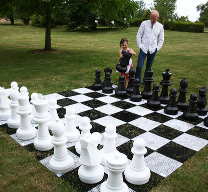 sussex-discos-wedding-giant-chess-set-ex