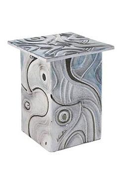 tester-and-jones-ceramic-urn-Ceres.jpg
