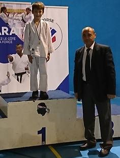 podium karate Raphael 1er.jpg