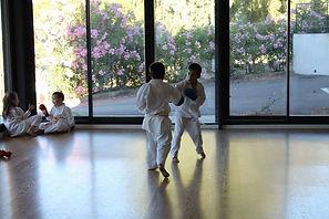 karate enfant jeux sourires.jpg