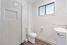 5 Bunya Bathroom.jpg