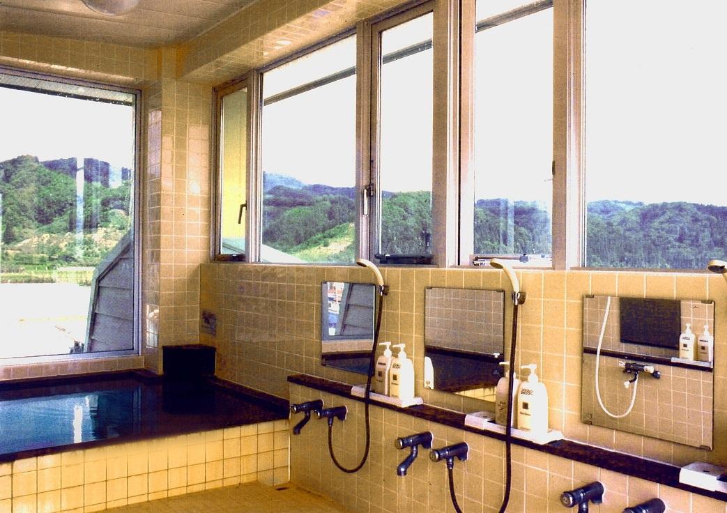 宿泊棟小浴場
