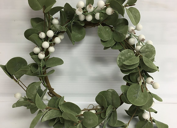Small Wreath with White Berries