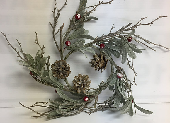 Small Wreath with Berries & Acorns