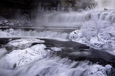 Winter Falls .jpg