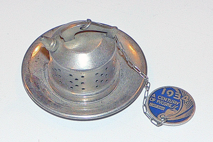 Tea ball set.