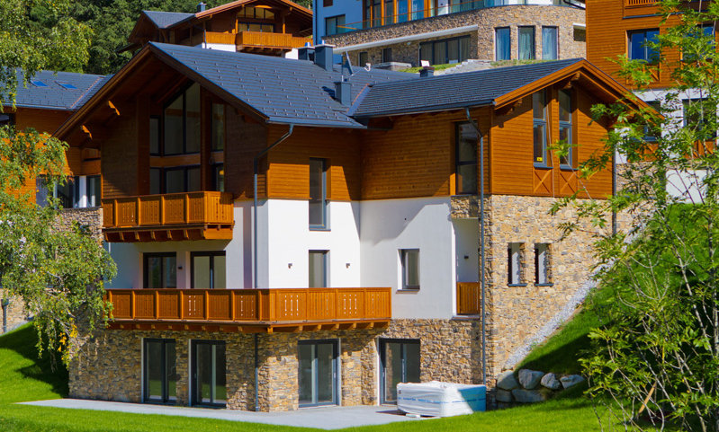 TROPHY CHALET WITH SPA AND POOL