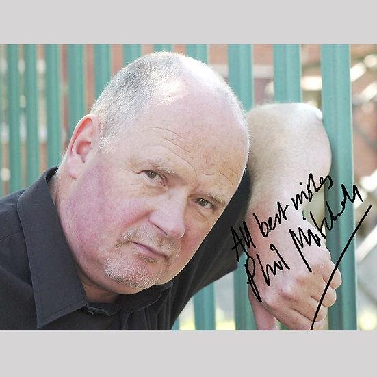 'Steve McFadden' signed autograph